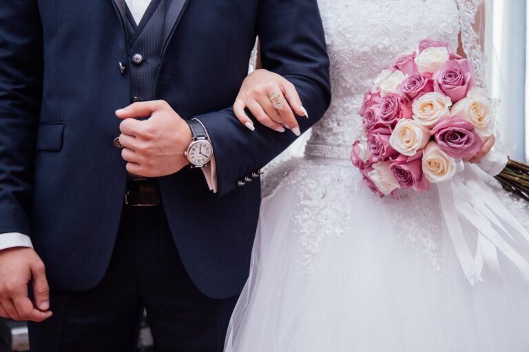 Was zieht man zur Hochzeit an?