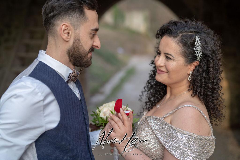 Heiratsantrag klassisch: mit Rose
