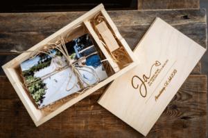 Holz Box mit Fotos und USB-Stick